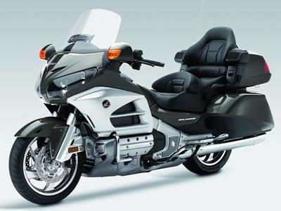 Gagner du temps en réservant votre taxi moto à Paris
