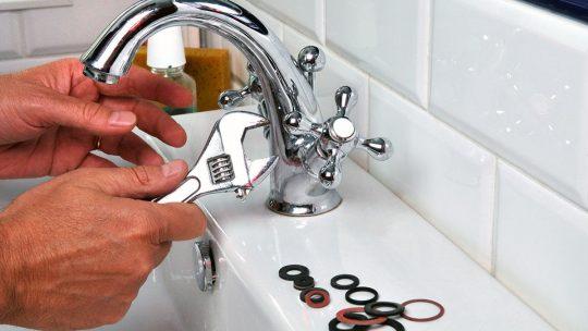 Réparer un robinet qui fuit